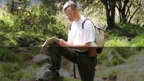 Un géologue en mission à La Réunion © BRGM - Pierre Nehlig